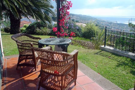 BUNGALOW WITH POOL - OCEAN VIEWS - Caniço - Other