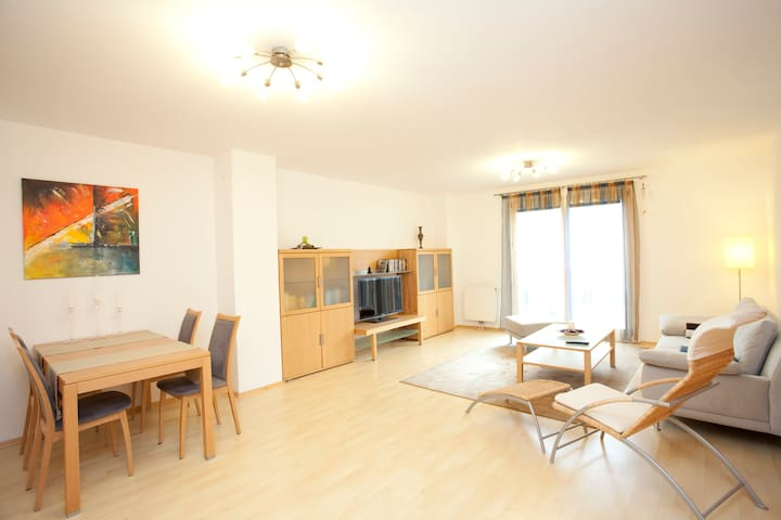 City Apartment at the Danube Canal - Vienna - Apartment