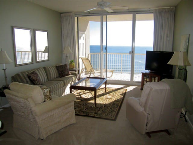 Beach Club Gulf Front Two BR Condo - Gulf Shores - Byt