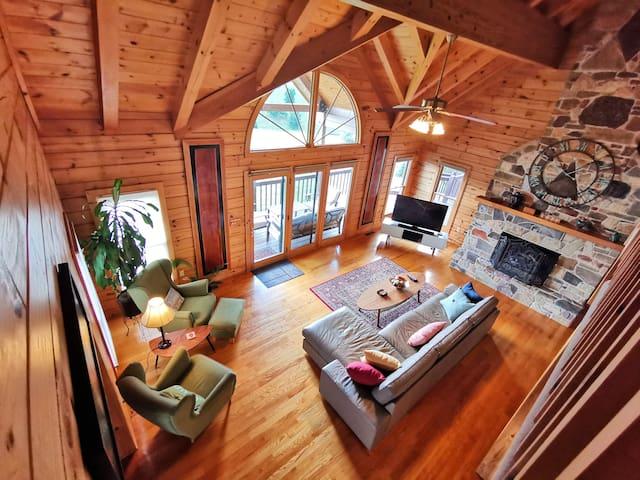 Gorgeous Country House, 3BD+2.5BTH w/ Hot Tub