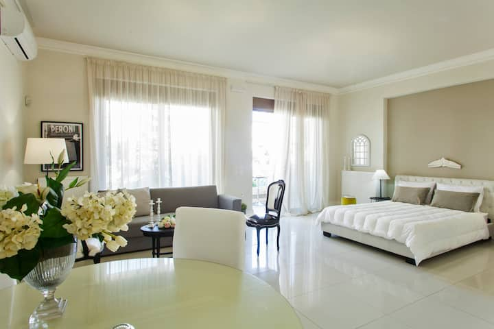 Maritina Luxury Central Apartment /WiFi / AC