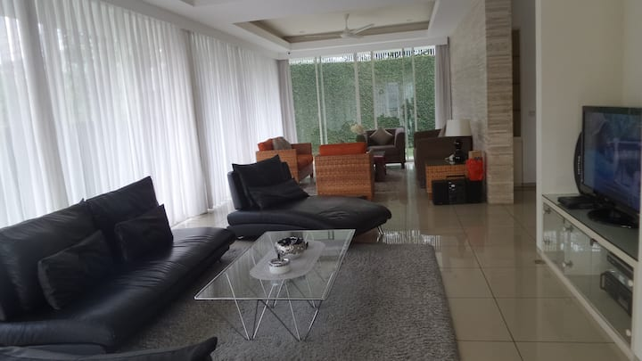 N's Lodge - your cozy home in Bandung