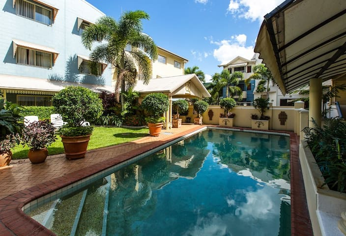 Polished Premier Room in Cairns - Cairns North - Appartement