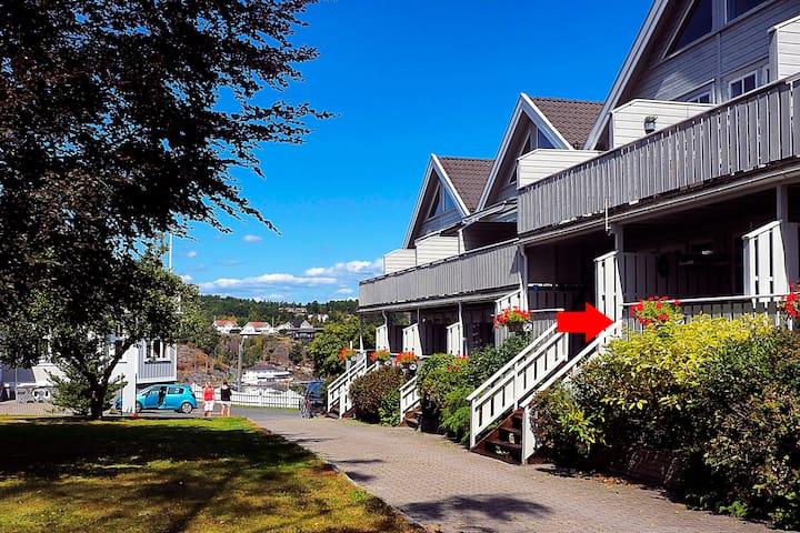 Sentrumsnært i Kragerø: Bergland ferieleilighet 16