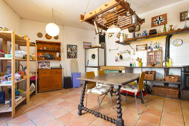 habitaci n en el centro de palma wohnungen zur miete in palma illes balears spanien. Black Bedroom Furniture Sets. Home Design Ideas