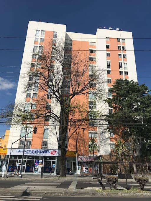 Edificio en el que se encuentra el departamento
