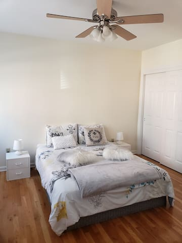 A nice room near NYC + Parking in a garage