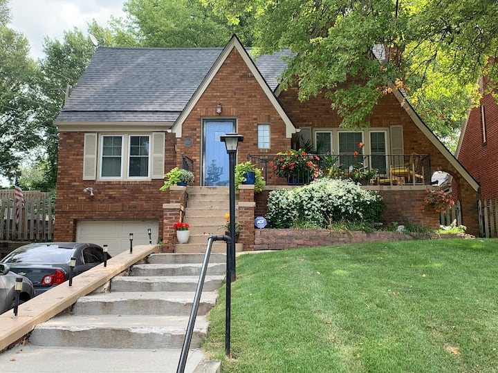 Midtown Charmer - Great Location