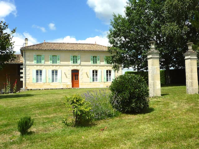 Grande maison  a la campagne