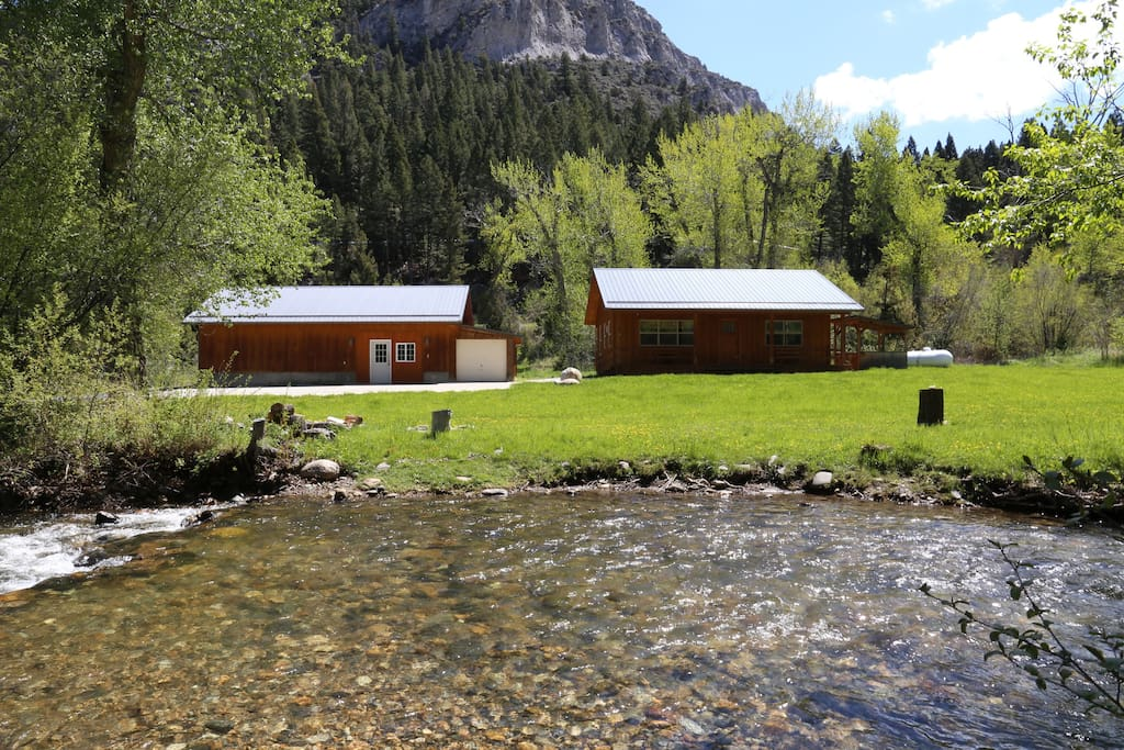River Stone Cabin and garage beside South Boulder River