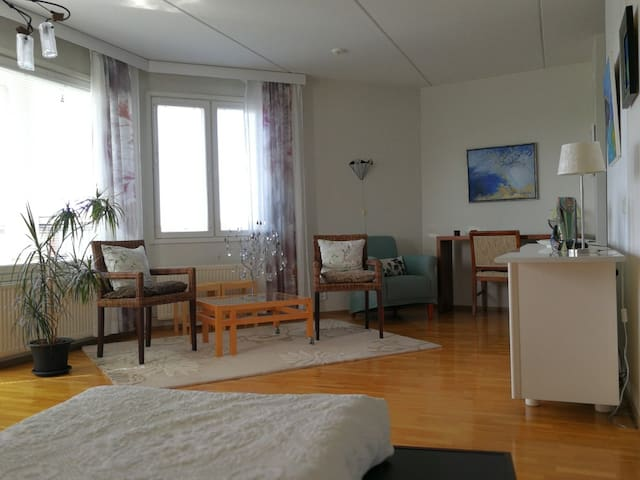Beautiful room with balcony in central Helsinki