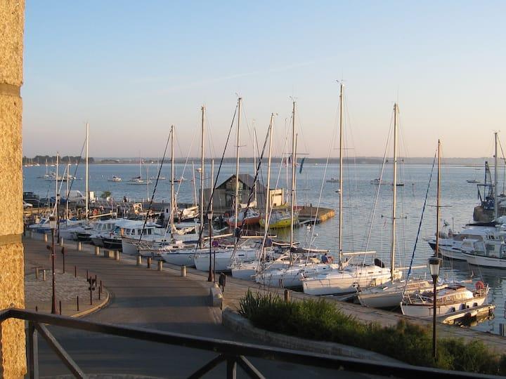 T2, coeur du Croisic, vue océan, parking et WIFI