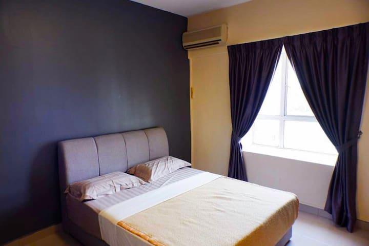 Condominium Apartment in Bayview Villas