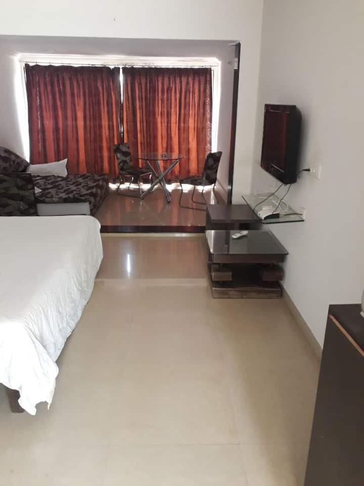Lonavala 1 AC Room And Swimming Pool