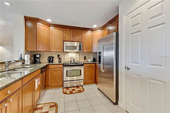Beautiful 3 Bed Condo on Reunion Resort