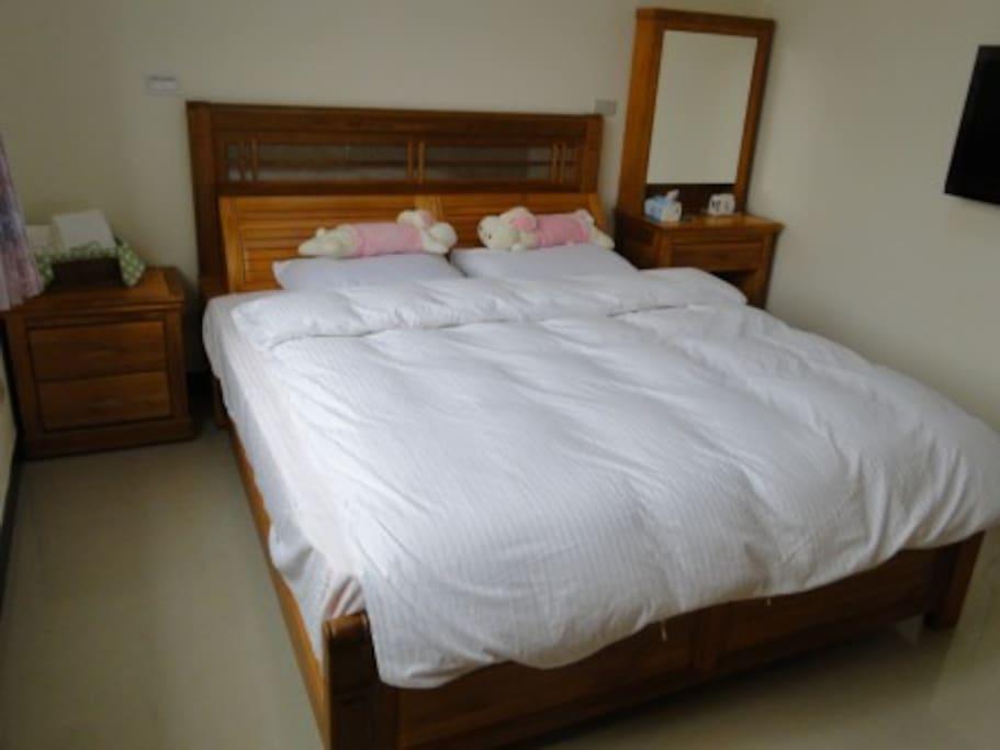 獨立超大套房, 採用高級台灣紅檜全套室內設備.