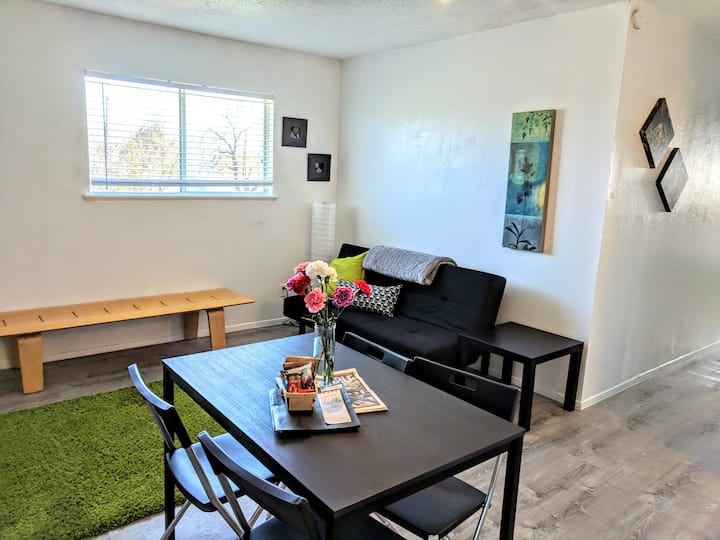 Thrifty Eastside 2 Bedroom near airport & downtown