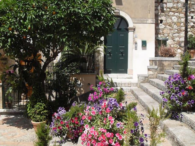 Salita Ciampoli - Centro storico - Taormina - Apartemen