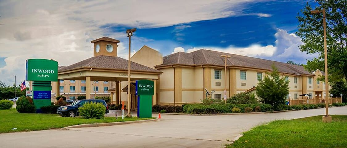 Inwood Suites Carthage,TX. Excellence and Value