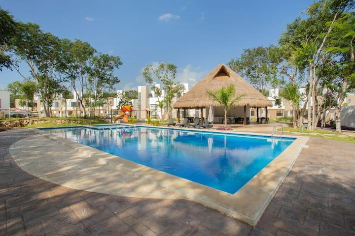 Casa San Remo frente Xcaret, 5a Av. Tulum, Cancún