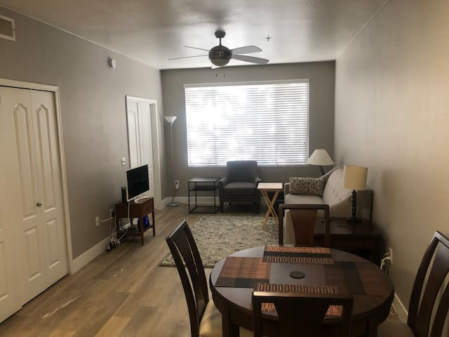 Spacious 2 bedroom apartment in Phoenix