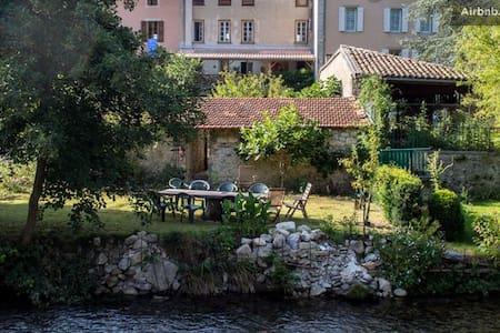 Riverside Garden Apartment - Bélesta - House