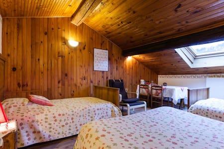 grande chambre pour 4 près de Metz - Arry - Rumah