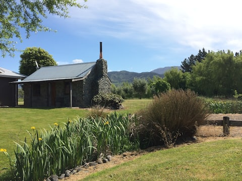The Tussocks Riverstone Cottage