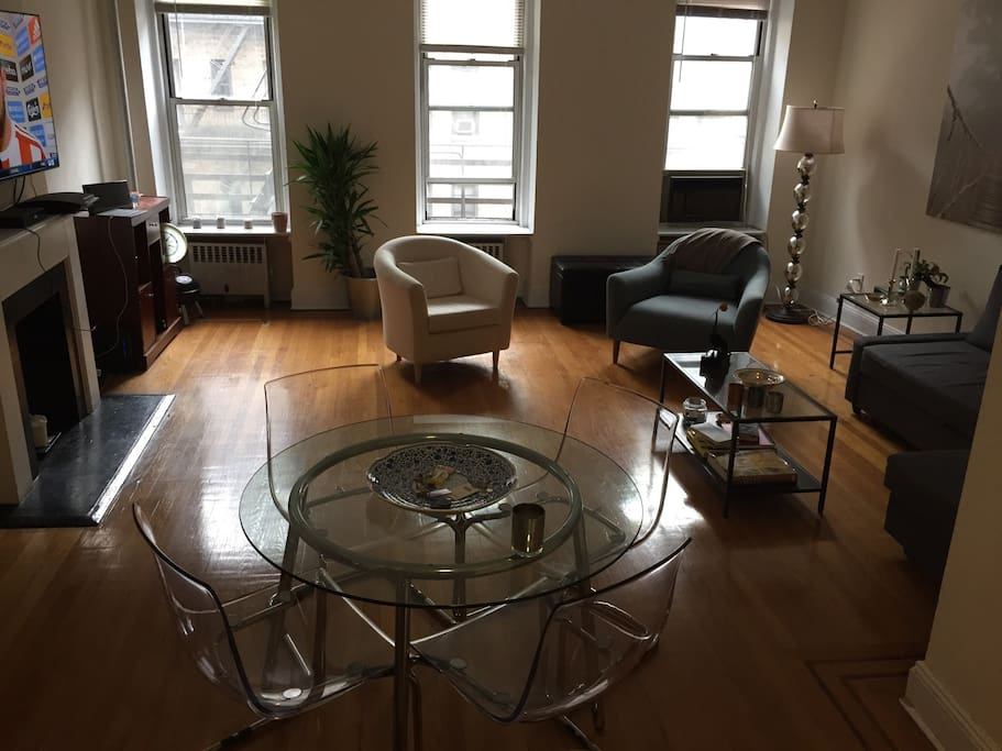 Midtown 2b 2bth w large living room apartments for rent for W living room new york