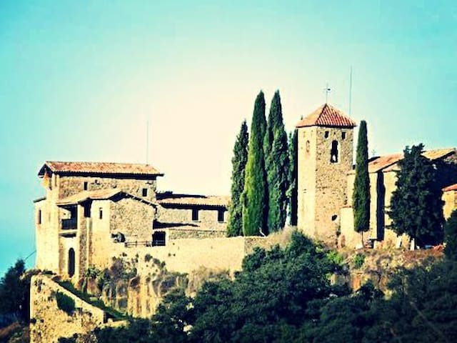 Medieval Castle for 16 persons  - Llaés - Castell
