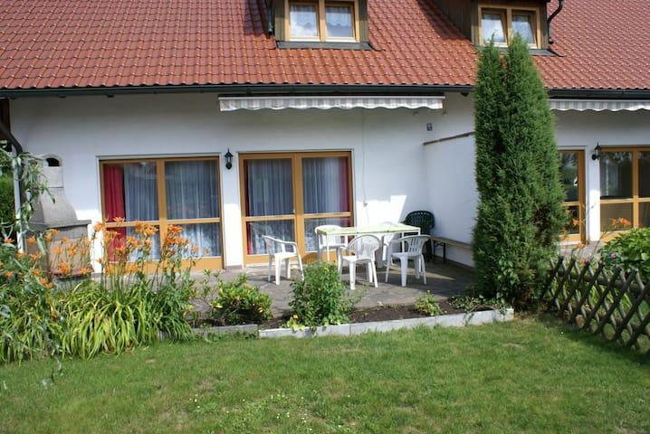 Schönes Ferienhaus DHH mit 5 Zim.für 2 bis 10 Per.