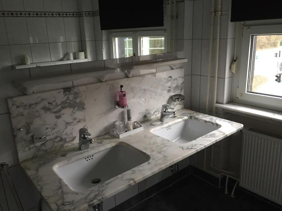 luxe kamer met eigen douchegelegenheid 45 euro p/p per nacht