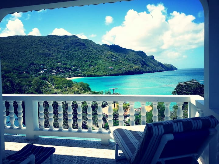 The Very Spacious Twilight Villa, Bequia