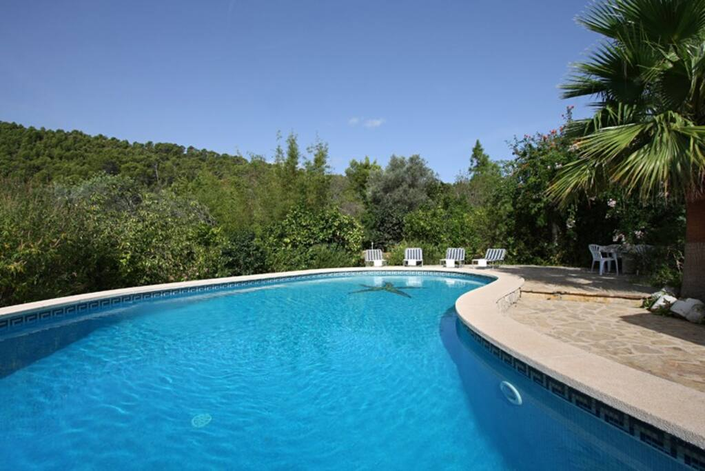 Belle maison avec piscine maisons louer for Piscine baleares