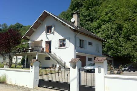 Appart meublé au Rdc d'une maison - Saint-Alban-de-Montbel