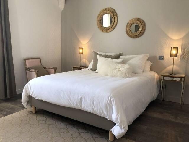 Suite-Luxury-Mobility bath-Garden View-Sieste sur la Plage