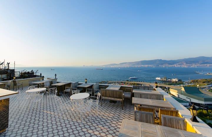 Spectacular Seaview in the Center of Izmir