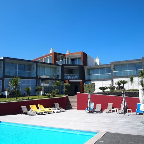 Three-Bedroom House with Ocean View - Vila Franca Do Campo - Hus