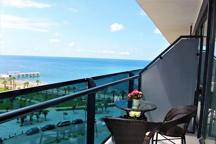 lux Apartment in The Beach Tower