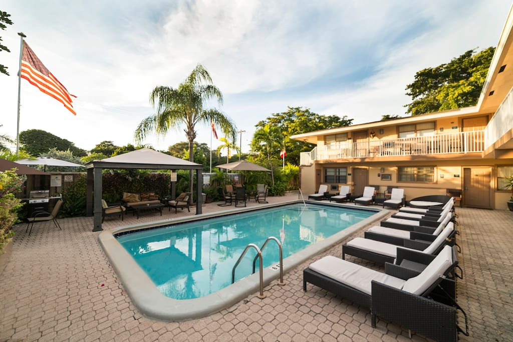 1 Bedroom King Suite Max 4 Guests 8 Apartments For Rent In Dania Beach Florida United States
