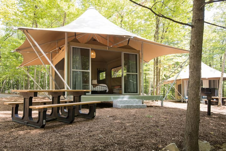 Point Sebago Resort - The Gadabout Glamping Tent