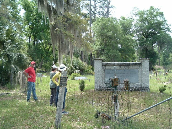 Behaivor  cemetery on Sapelo Island.