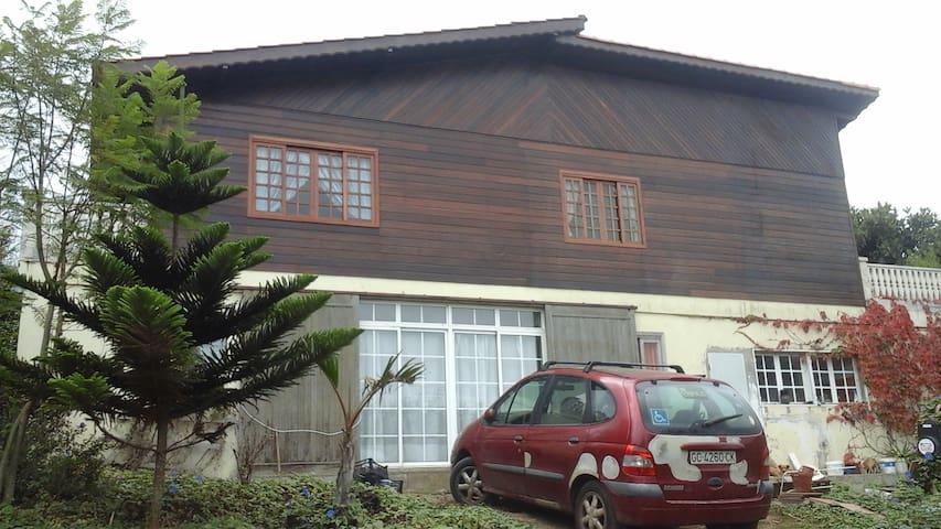 Habitaciones en chalet de madera en zona rural. - Guía