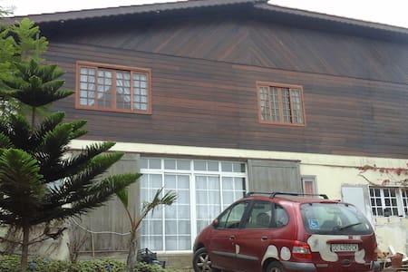 Habitaciones en chalet de madera en zona rural. - Guía - Bungalo