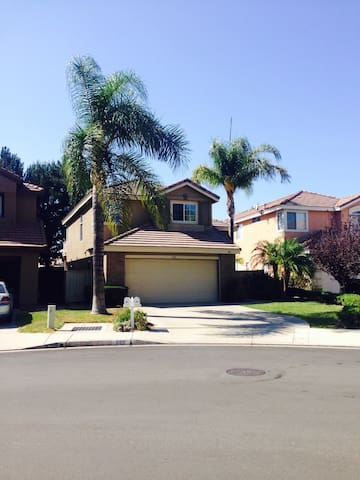 Welcoming home in the Hills - Anaheim - House