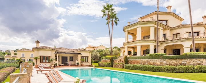 Luxury Front Line Golf Villa in Sotogrande Alto
