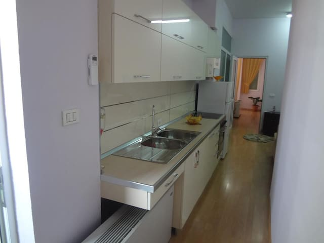 Toti Apartments - Tirana - Apartment