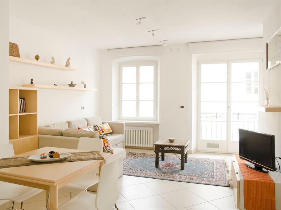 Goethe apartment 50 m2 con balcone appartamenti in for Appartamenti in affitto arredati a bolzano