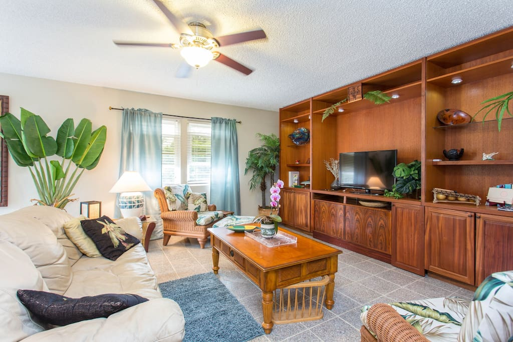 The entertainment center offers a large variety of choices for all ages, Cable TV, DVD Movie Selection, WiFi, Games, Cards, Hawaiian Books and a large Collection of Toys, Books & Puzzles for kids.