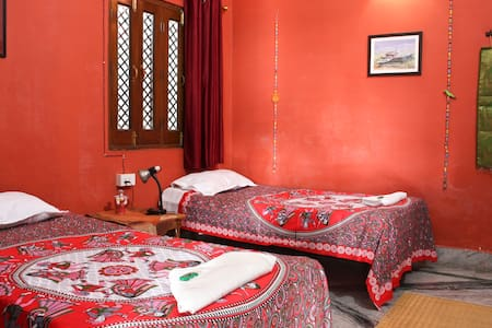 Purple Lotus Home Stay - Private Room